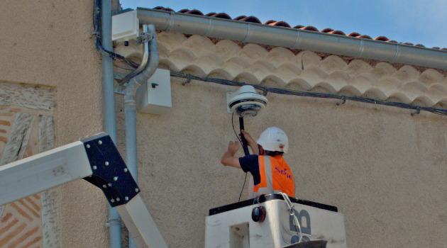 Installation des caméras de surveillance
